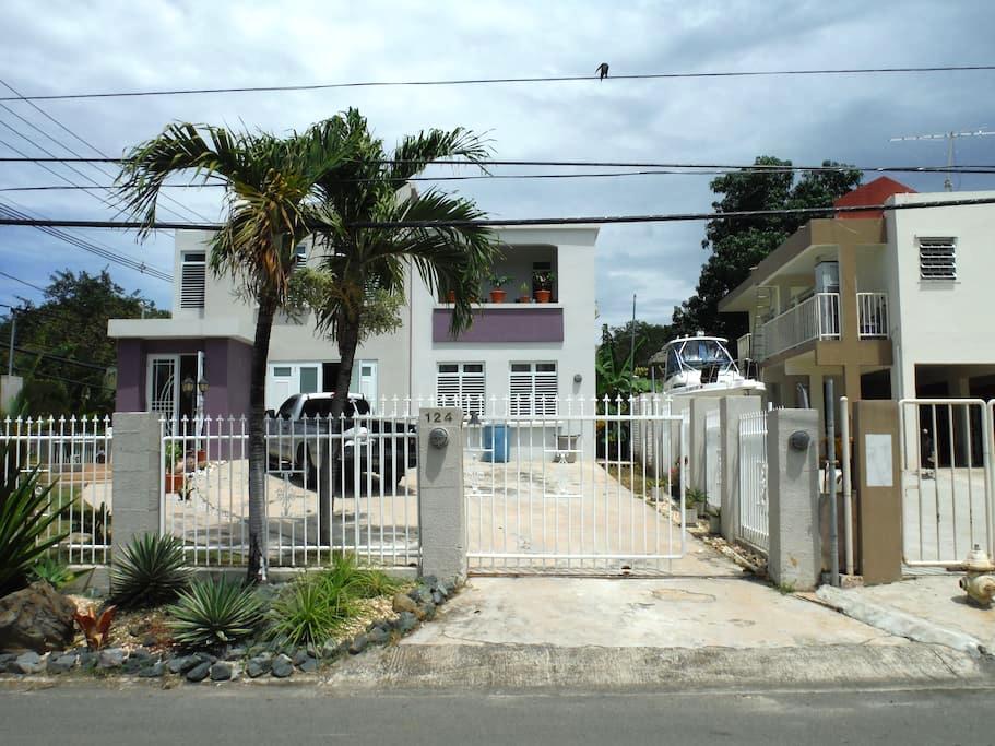Clean, Spacious Home Near Beaches - Fajardo - Ev