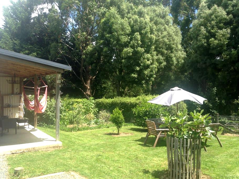 Aniseed Cottage Bed & Breakfast - Aniseed Valley - Ξυλόσπιτο