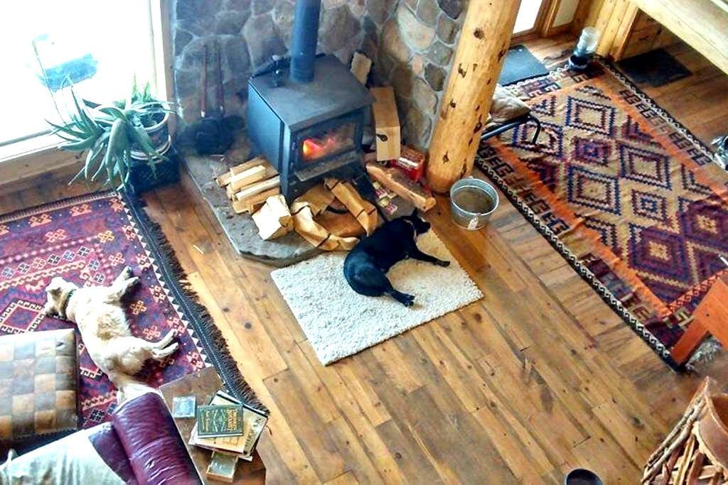 Private room in log cabin - Del Norte
