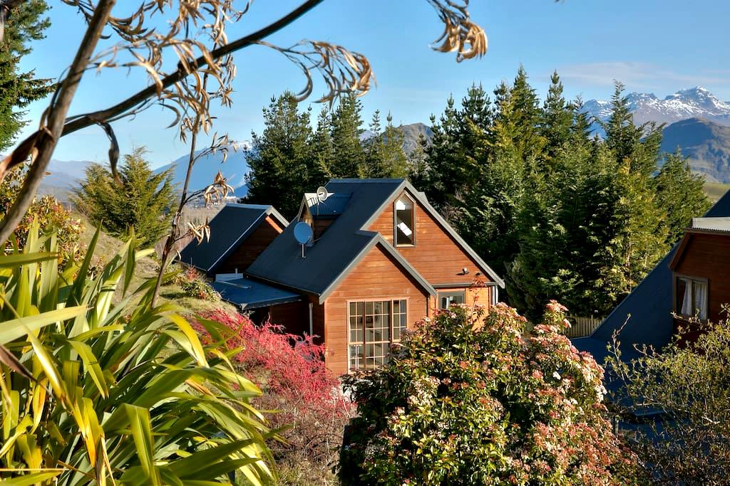 The Pines Cottage - Self-Contained Guesthouse - Speargrass Flat - Pensione