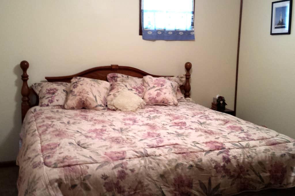 Mayetta Bed and Breakfast - Mayetta - Bed & Breakfast