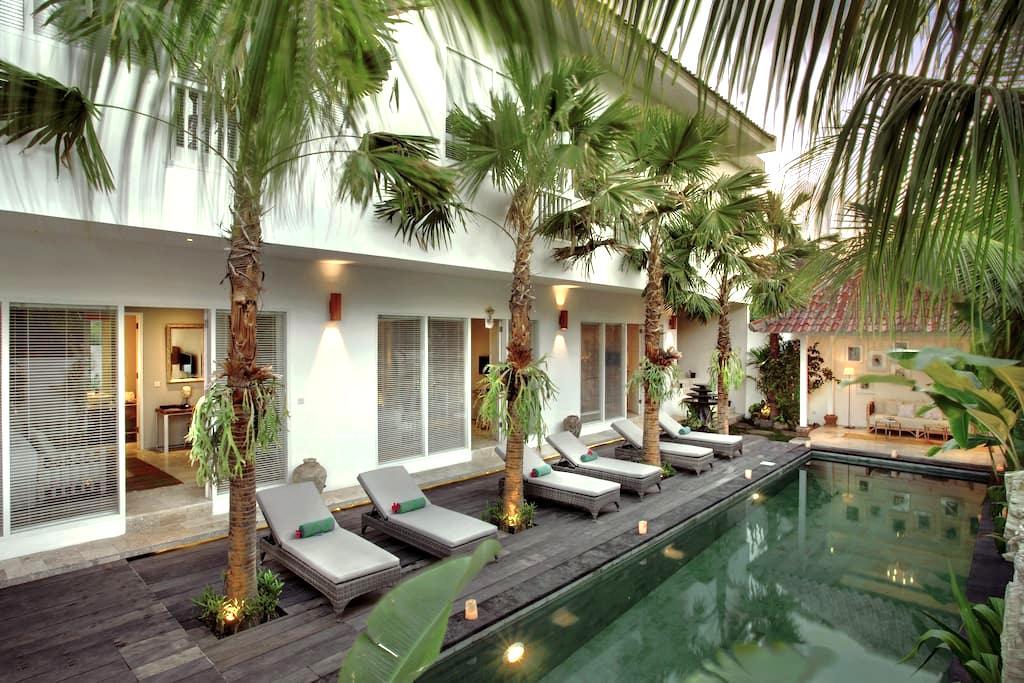 Room & Vespa 4 Seminyak - Kabupaten Badung - Apartment