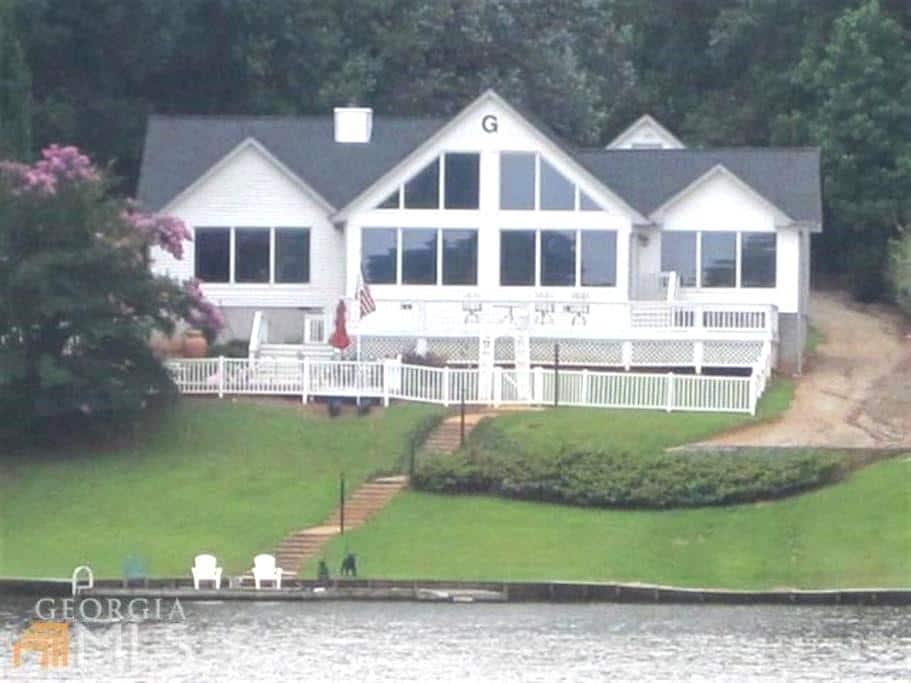 Lakefront house with amazing views - Eatonton - Casa