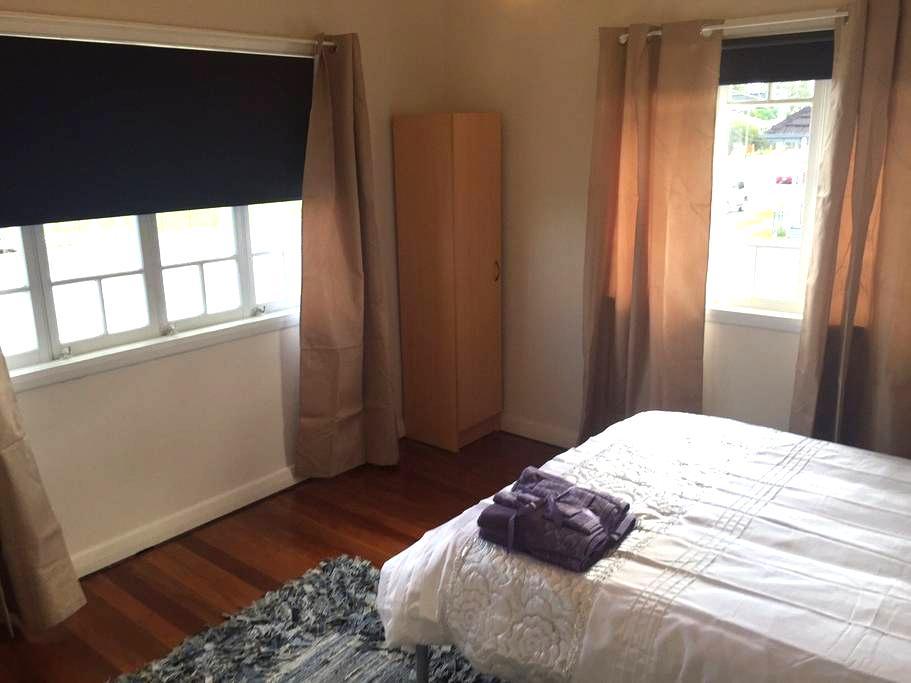 Retro Queenslander -  R1 - Rocklea - House