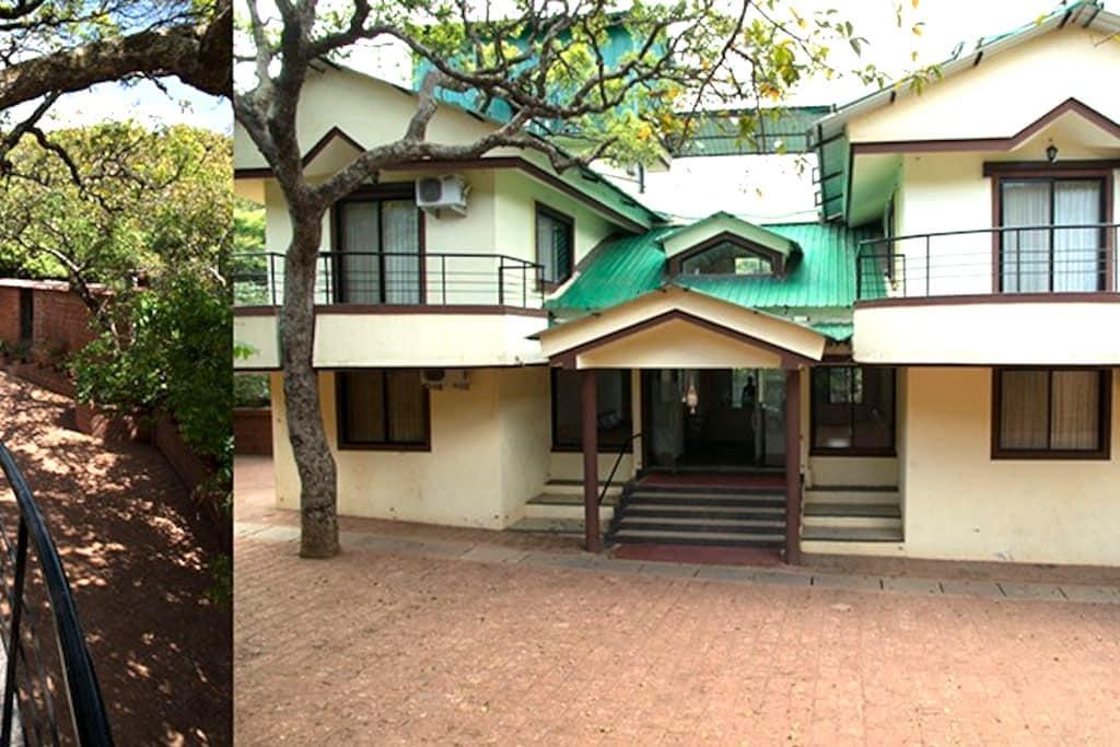Misty Meadows Villa - Mahabaleshwar - Vila