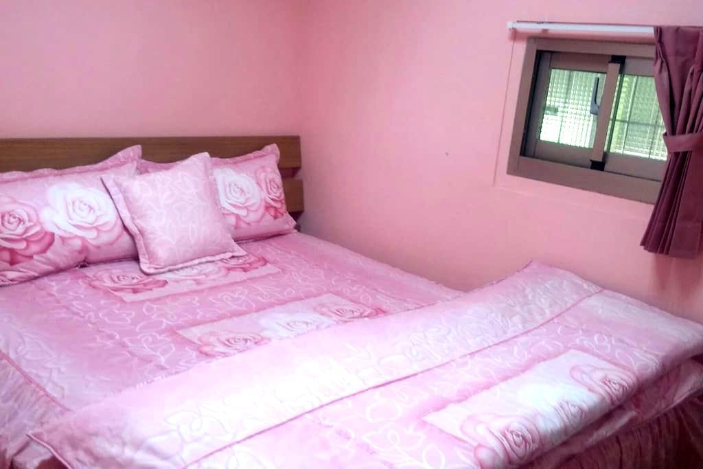 房間是雙人套房。供應早餐,洗衣機,自行車,有停車位,有後院。(垂房) - 池上鄉 - Hut