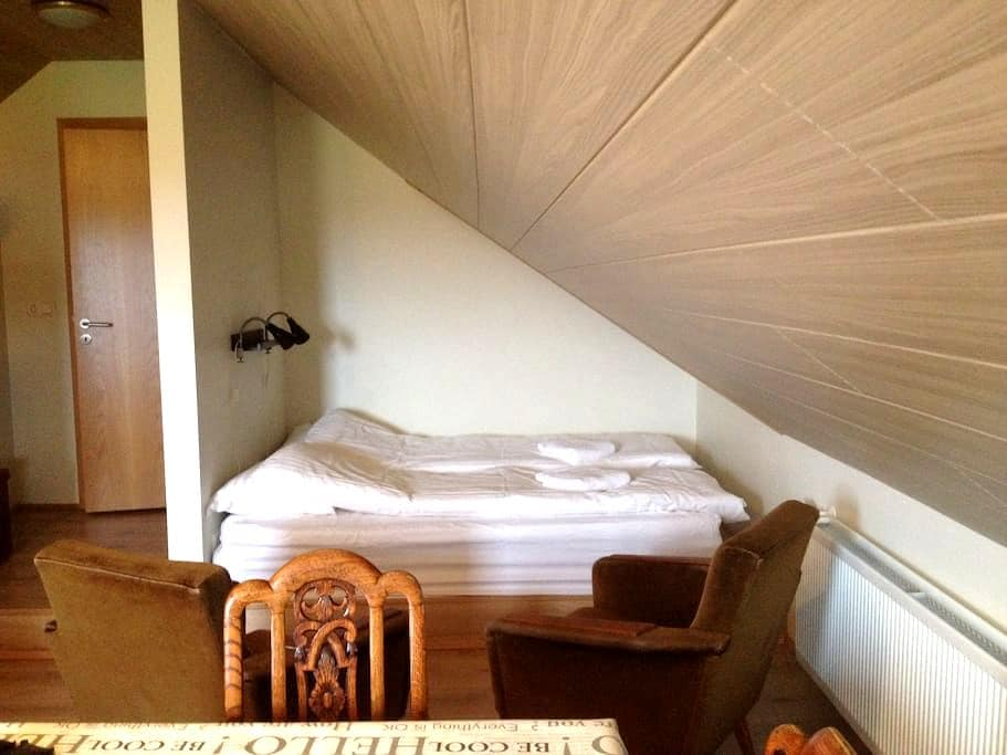 Álftagerði Guesthouse - Byt