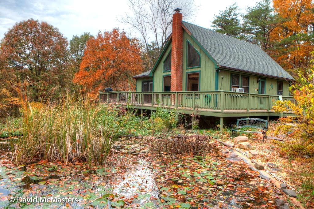 Private and Cozy Chalet with WiFi - Berkeley Springs - Chalet