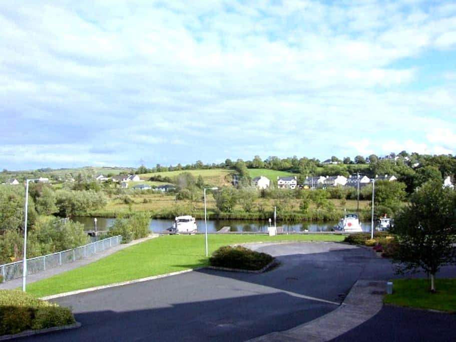 Leitrim Village on river shannon - Carrick-On-Shannon - Apartment