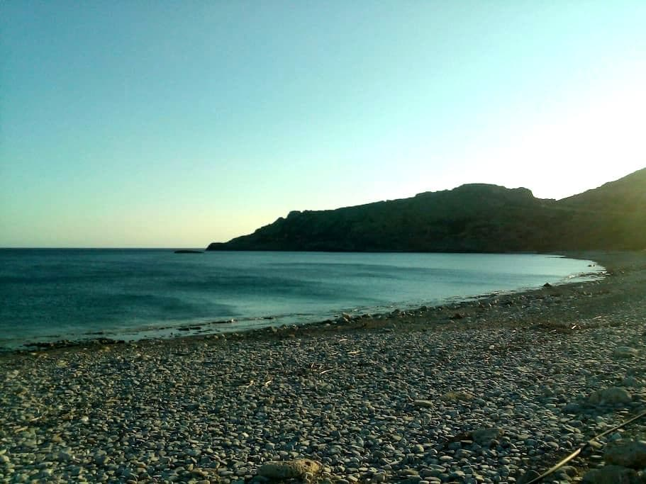 STUDIO NEXT TO THE SEA -KRIOS BEACH- - Chania - Hus