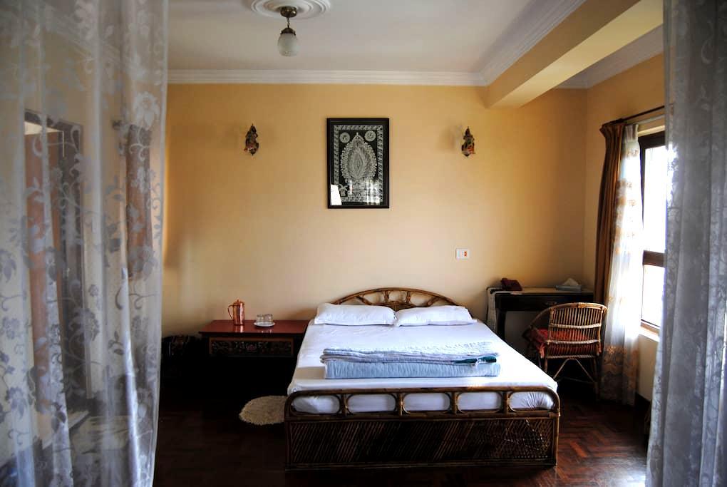Tasteful, Spacious & Safe Apartment - Kathmandu - Apartment