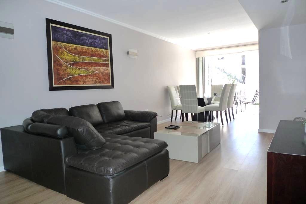 Spacious 2 Bed Executive Apartment Super Fast Wifi - Sandton - Appartamento