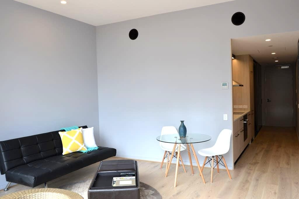 Element Building - central Kingston - Kingston - Appartement