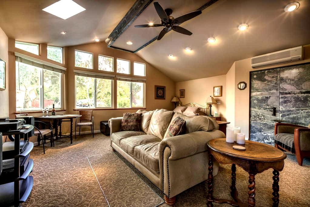 Spacious Great Room With Private Entry and Bath - Paso Robles - Haus