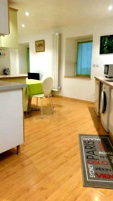 Appartement   F2  dans  maison de village - Ollioules - Maison de ville