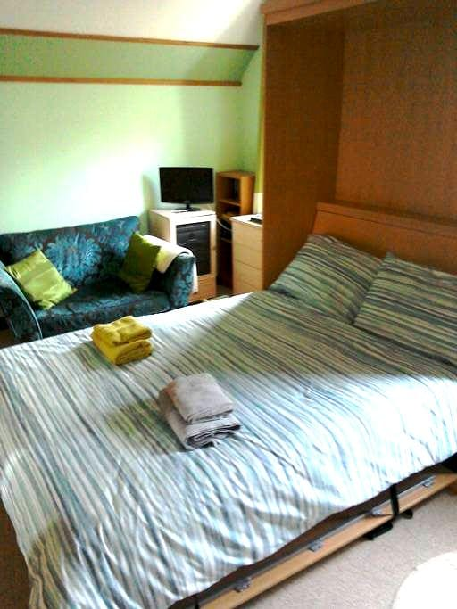 Room close to beach and golf course - Troon - Ház