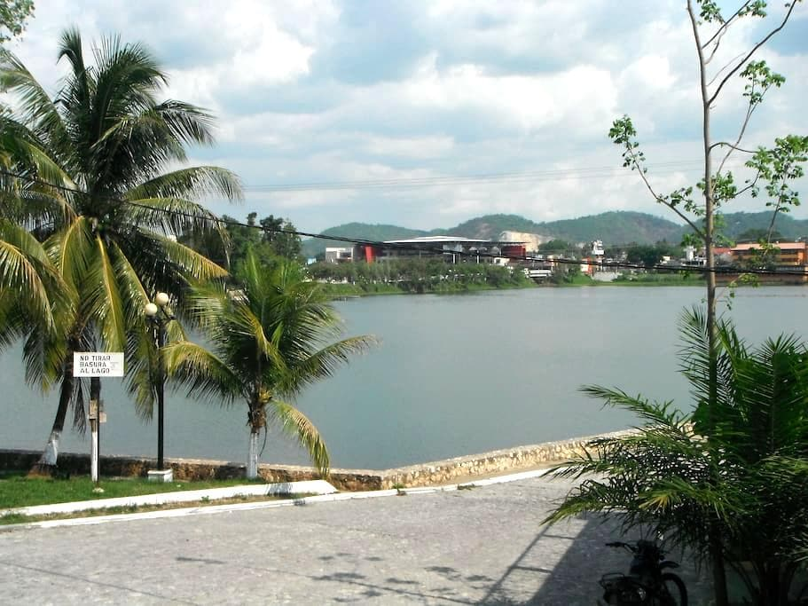 Isla de Flores Lake View Room - Flores