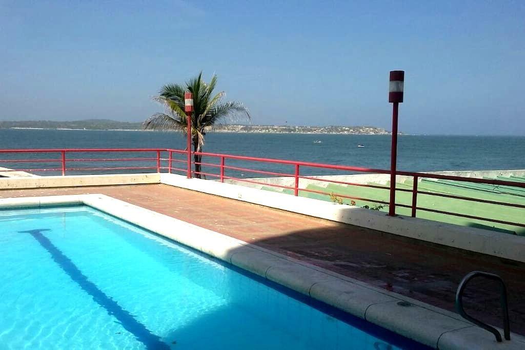 Confortable apt frente Hilton Hotel - Cartagena