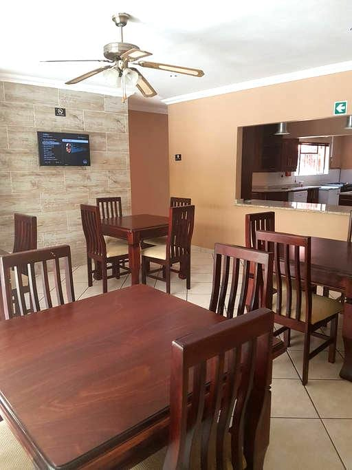 iLawu Guest House - Newcastle - Guesthouse