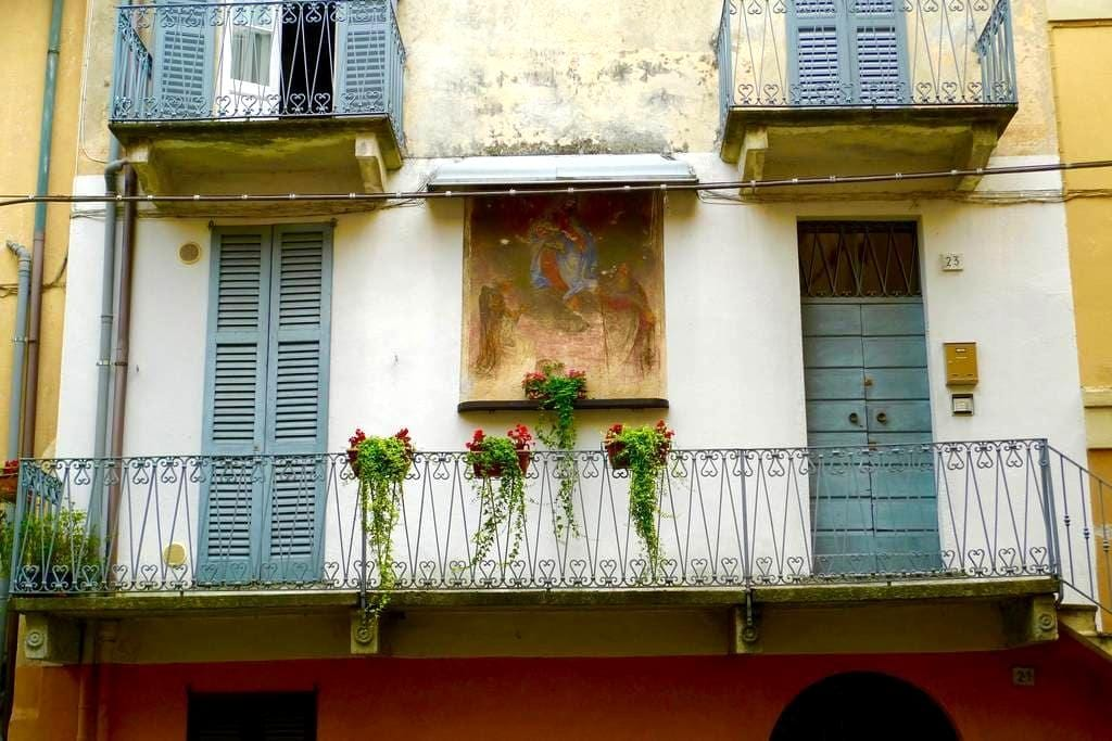 18th Century Apartment with Fresco - Lesa - Apartemen