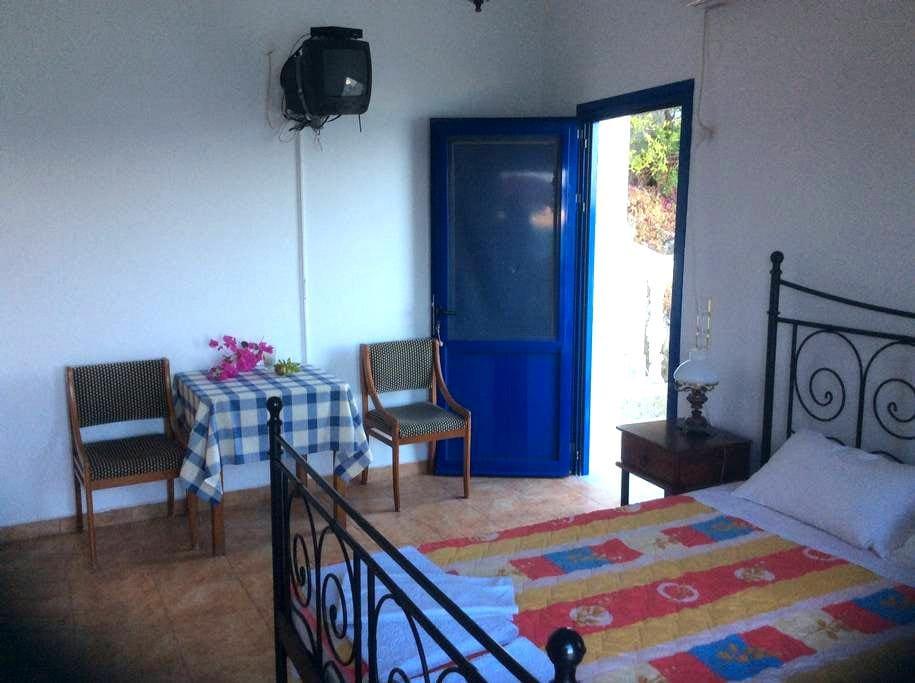 Room on the beach 1 - Diafani - Дом