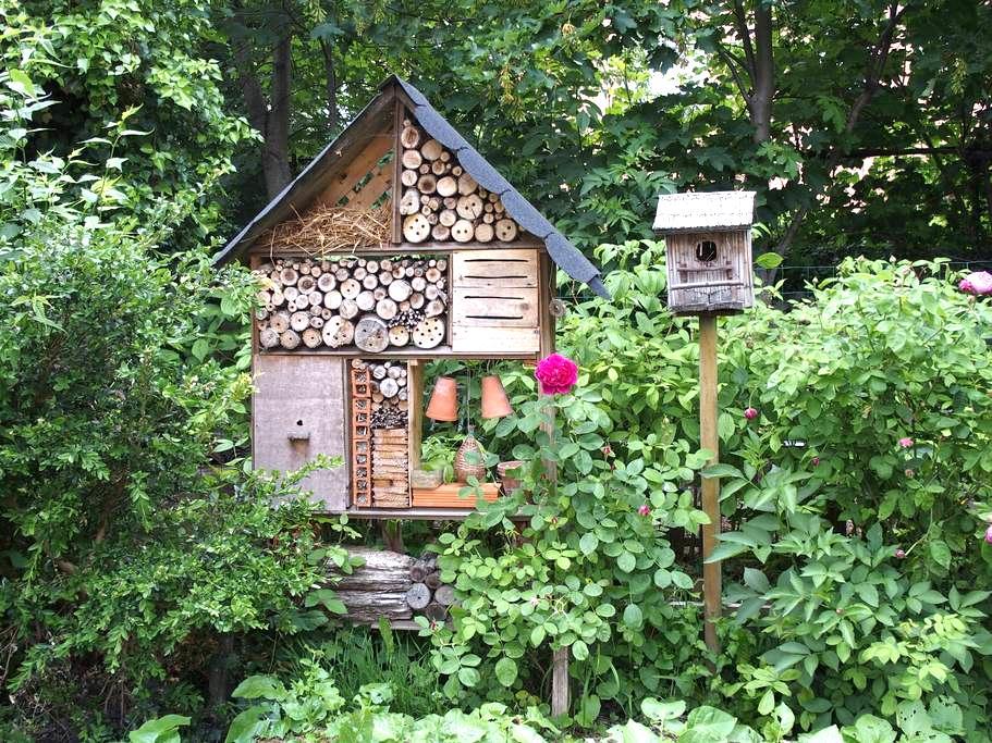 Chambre au calme dans le jardin... - Millau - Bed & Breakfast