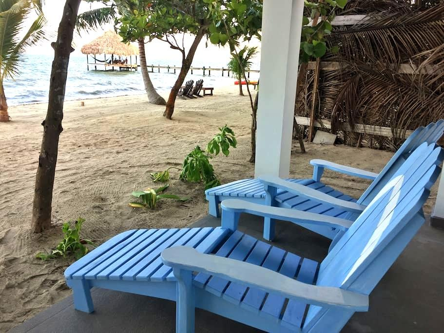 Flip Flop Palace #3 Beach-Level Suite - Placencia - Pis