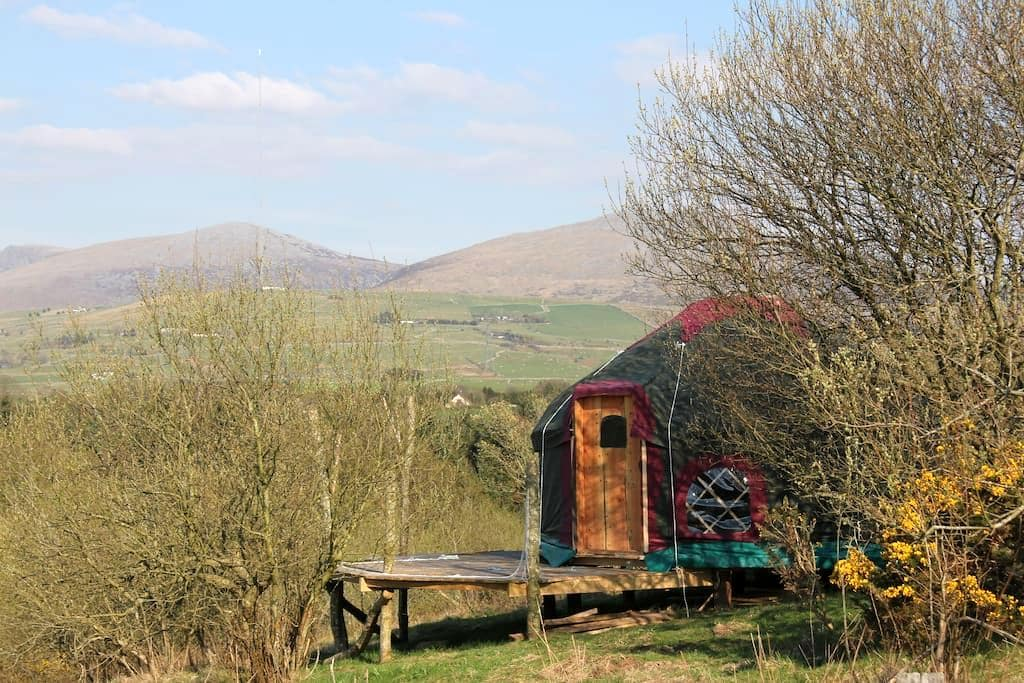 Beautiful Yurt, mountain and sea - Clynnog-fawr