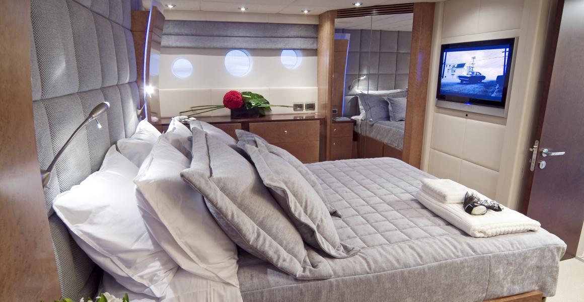 Luxury 80ft Motor Yacht