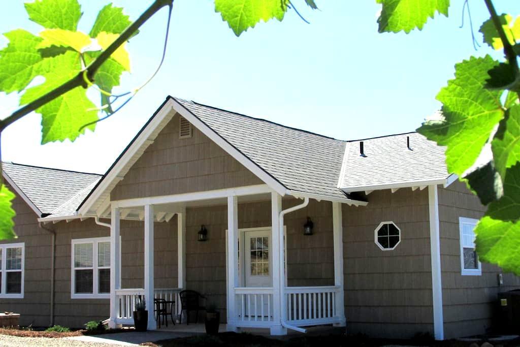 Jory House at Legacy Hill Vineyard - Dayton