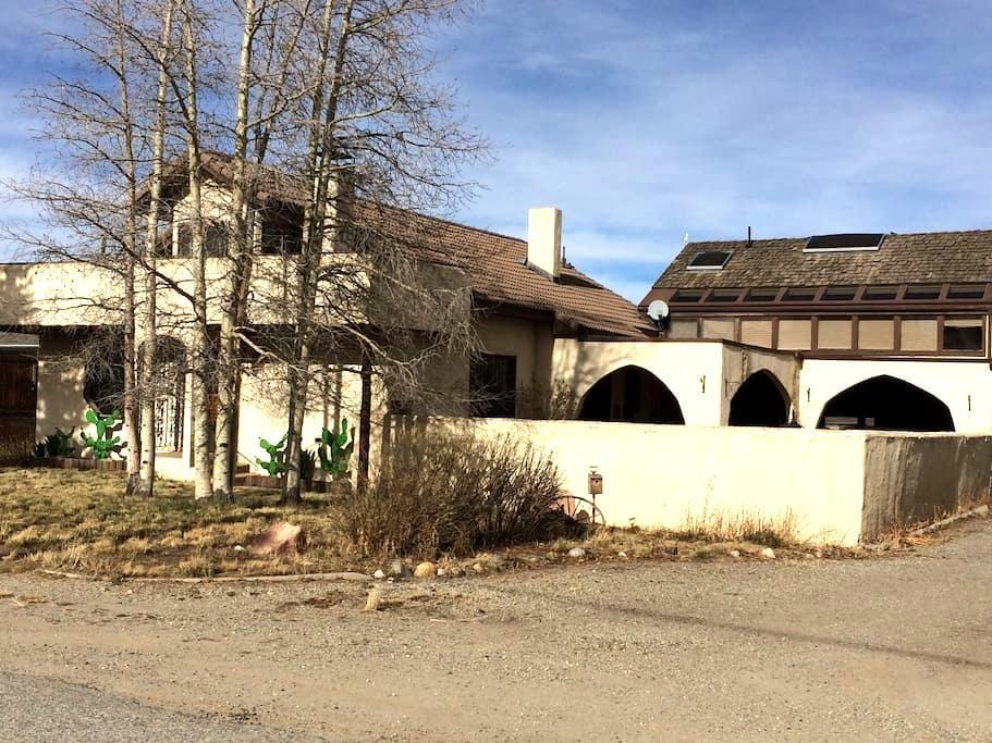 Western Hacienda in CO High Country - Fairplay - Dom