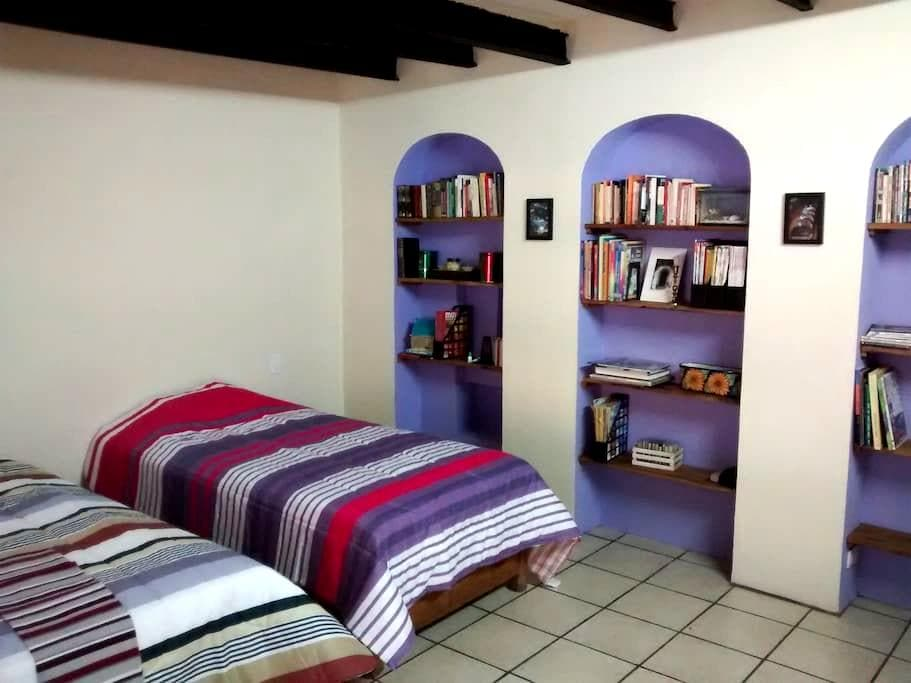 Room in downtown, with independent access - Taxco - Haus