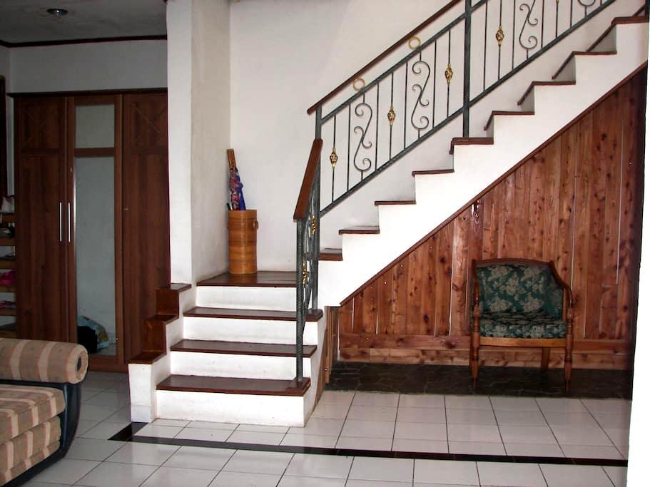 Omega Family Guest House  - Bogor