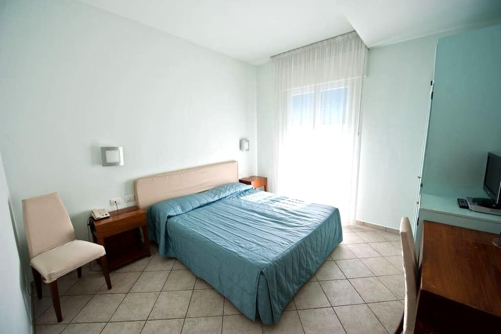 """Double room """"Wave"""" - fun and relax at the seaside - Marina di Ravenna - Annat"""