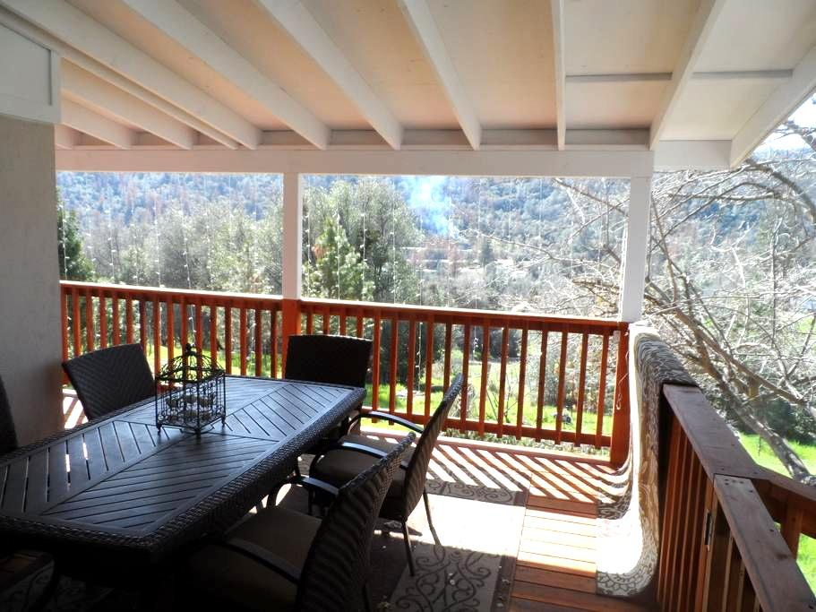 FiftyFifteen Mariposa (45 mi from Yosemite) - Mariposa - Casa