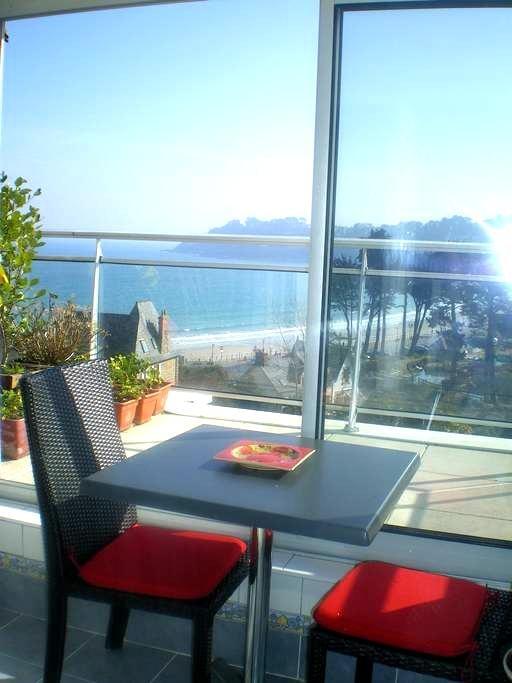 Perros Guirec studio vue magnifique sur la mer. - Perros-Guirec - Apartment
