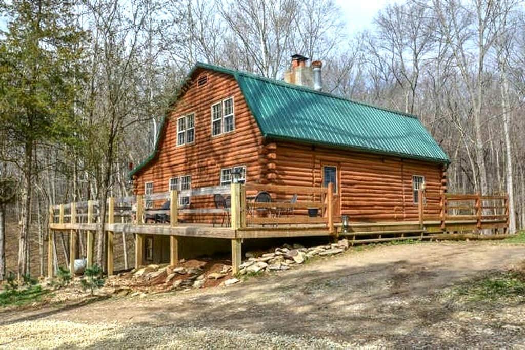 Log Home on 17 acres - บลูมิงตัน - กระท่อม