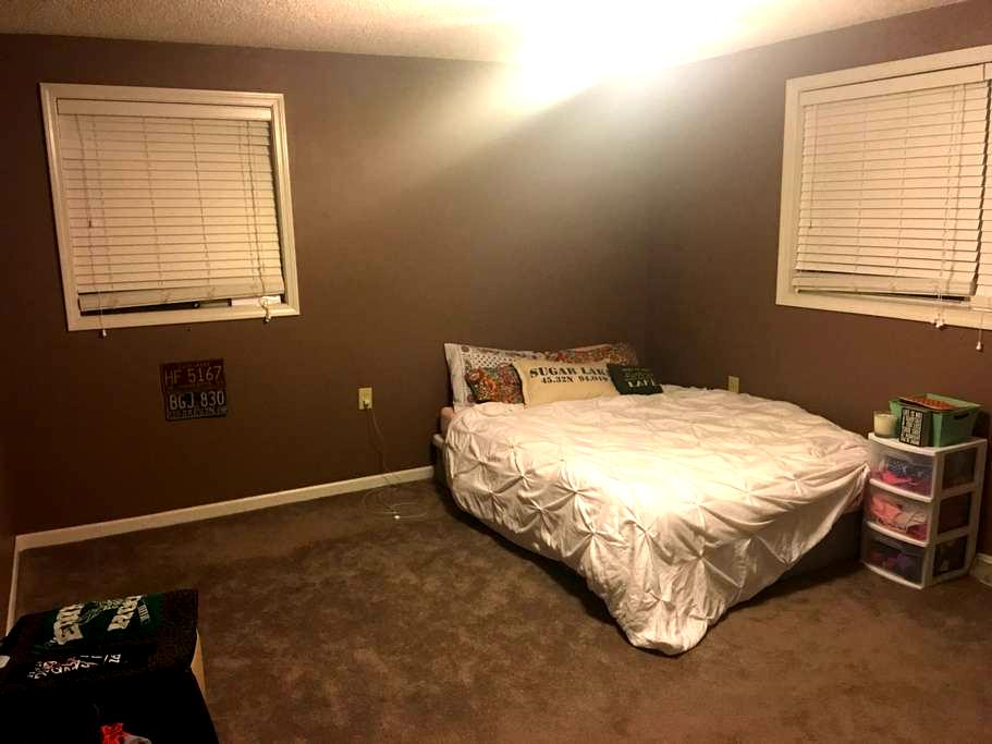 Entire home 2 miles from campus - Clemson - Casa