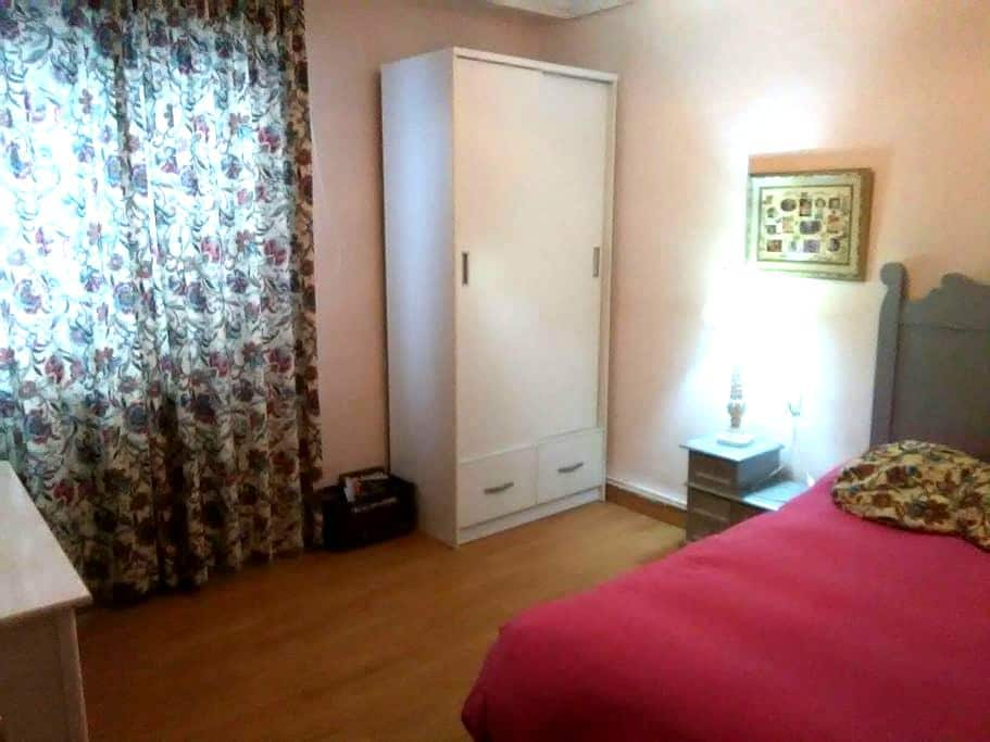 Habitacion  con cama individual - Albacete - Leilighet