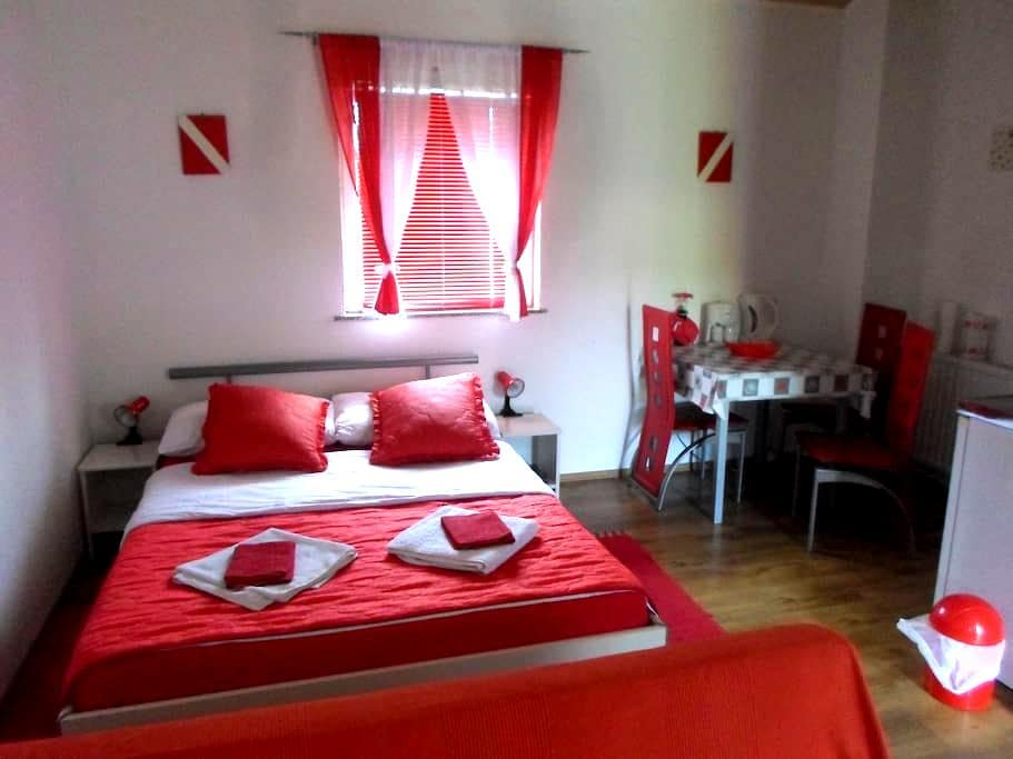 House Petra, Studio Apartment - Rakovica