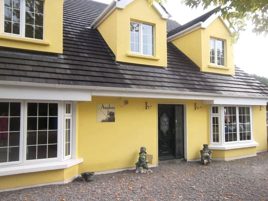 The Anglers Rest - Ballymore Eustace - Bed & Breakfast