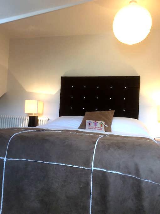 CHILTERN HOUSE BED & BREAKFAST no 1 on tripadvisor - Lowestoft - Wikt i opierunek
