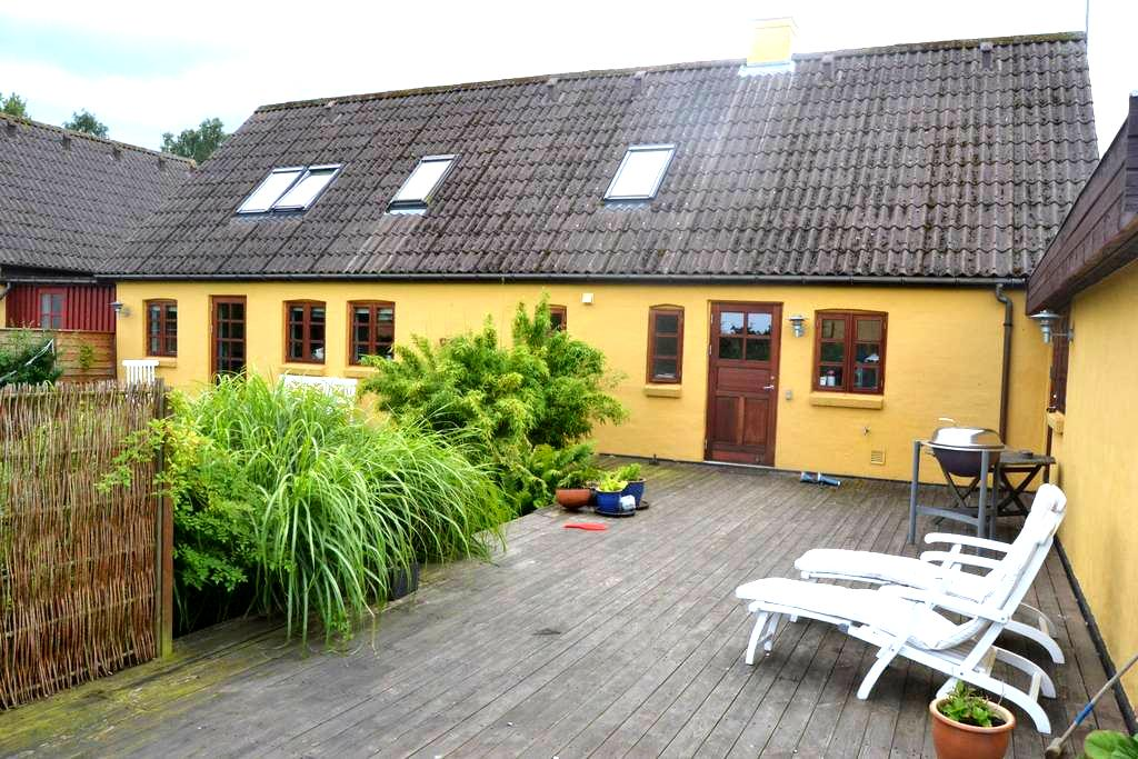 Hyggeligt bondehus på Djursland - Rønde - Hus