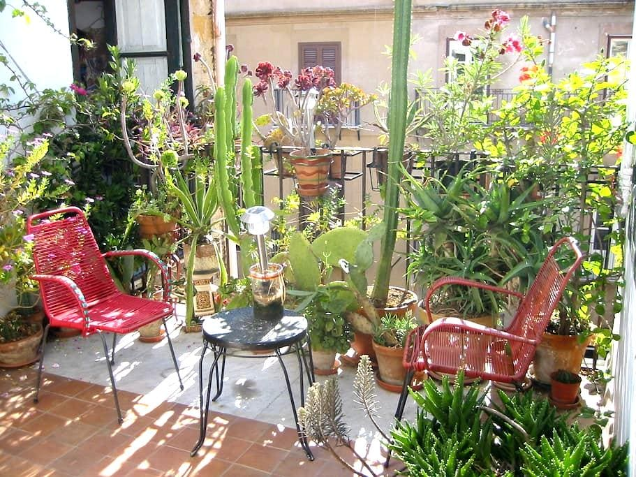 Historic centre, with cosy terraces - Palermo - Bed & Breakfast