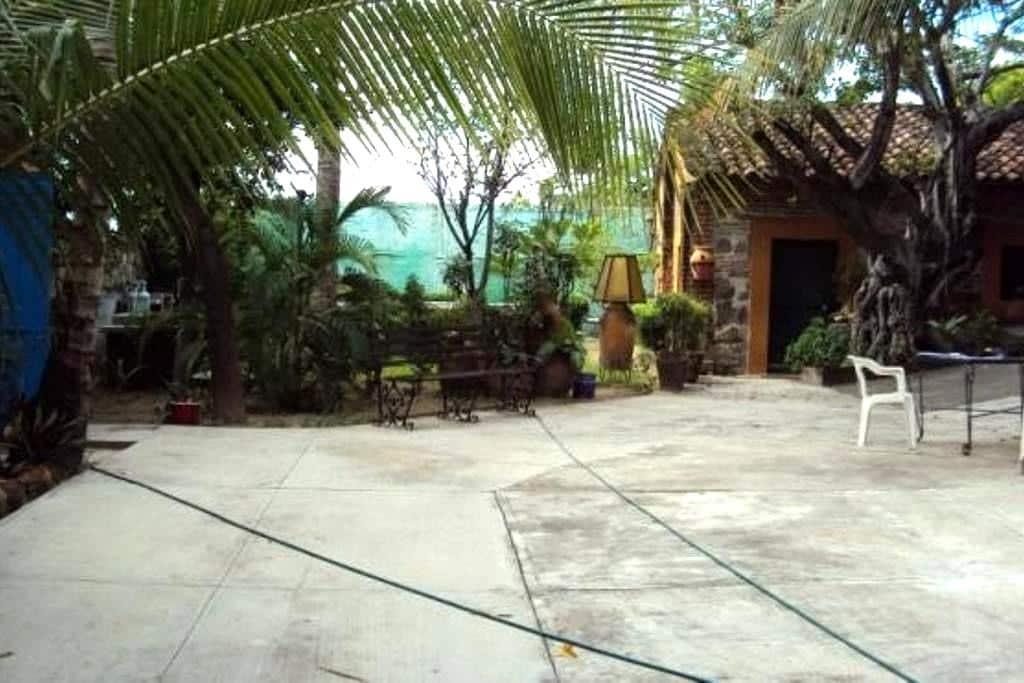 Beautiful 6 room house, Tehuantepec - San Blas Atempa - Rumah