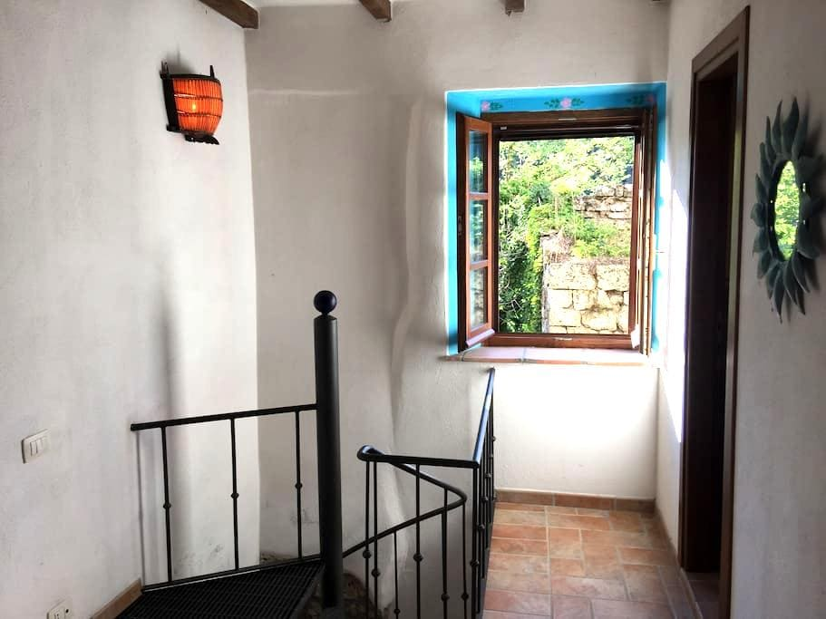 Romantic apartment for two in beautiful Sorano - Sorano - Rekkehus