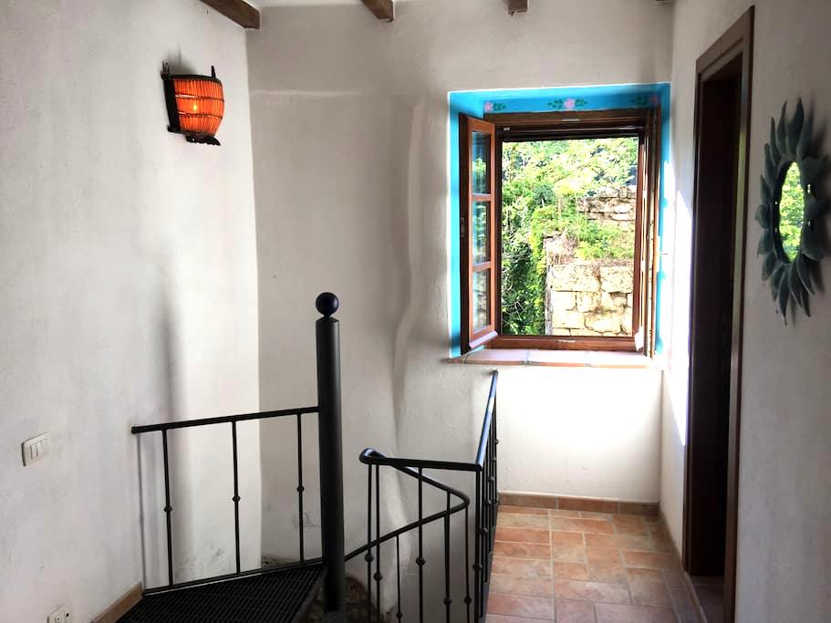 Romantic apartment for two in beautiful Sorano - Sorano - 连栋住宅