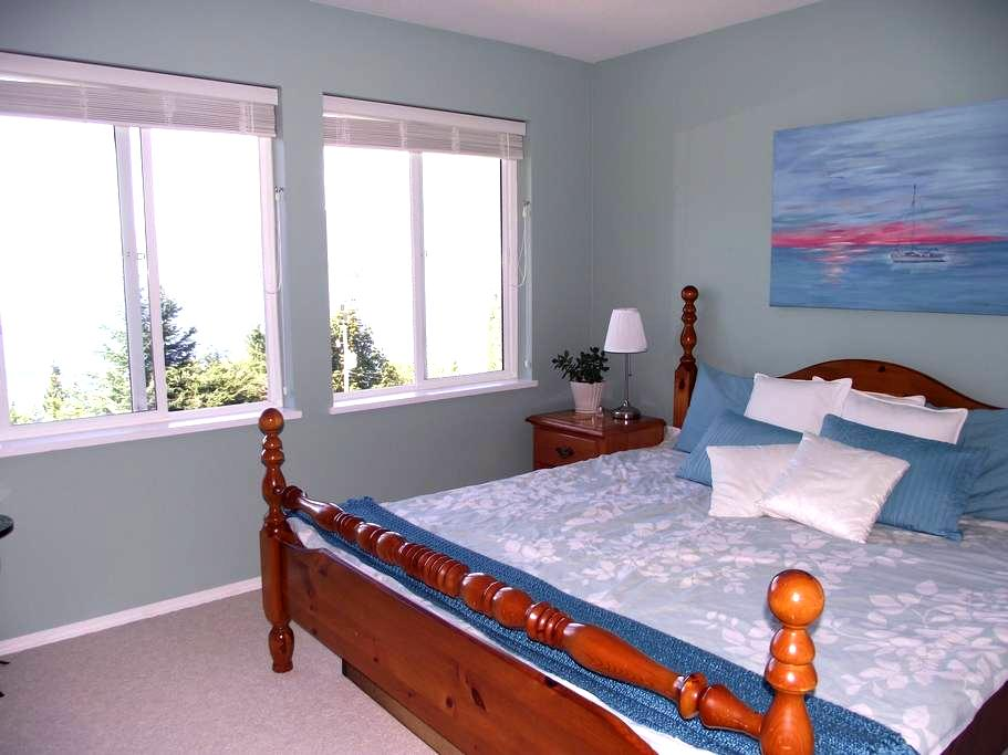Pacific Peace Retreat Ocean Room - Sechelt - Bed & Breakfast