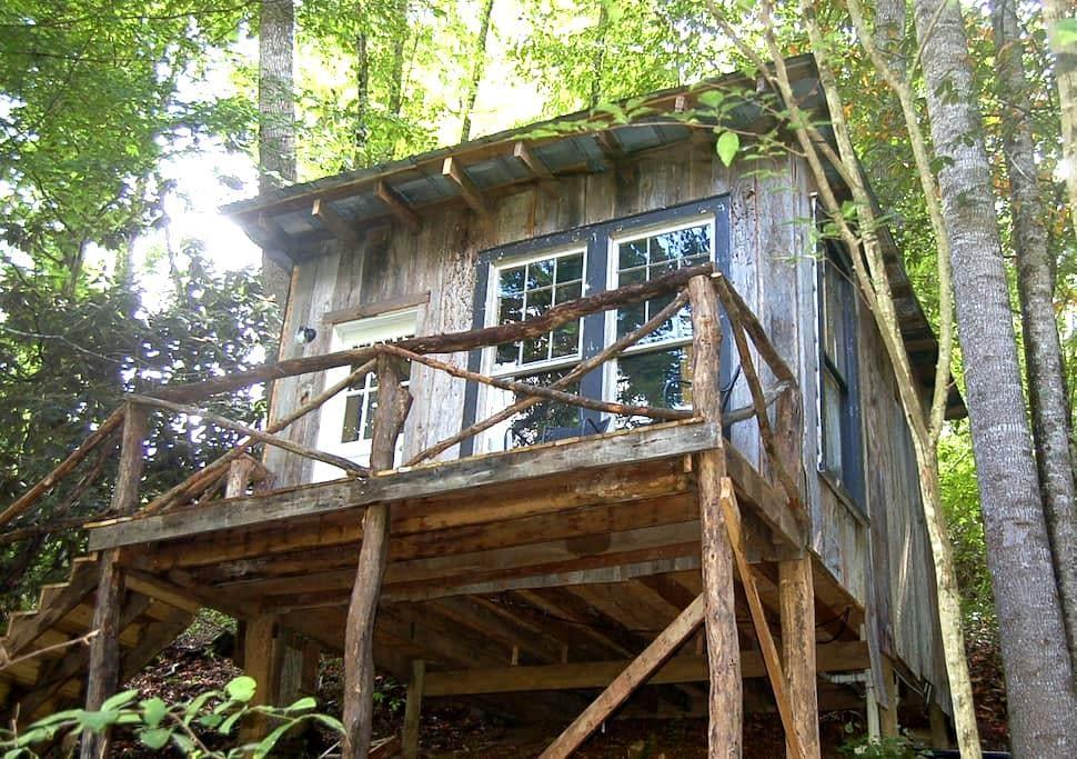 The Tree House at Healing Springs - Crumpler - Ağaç Ev