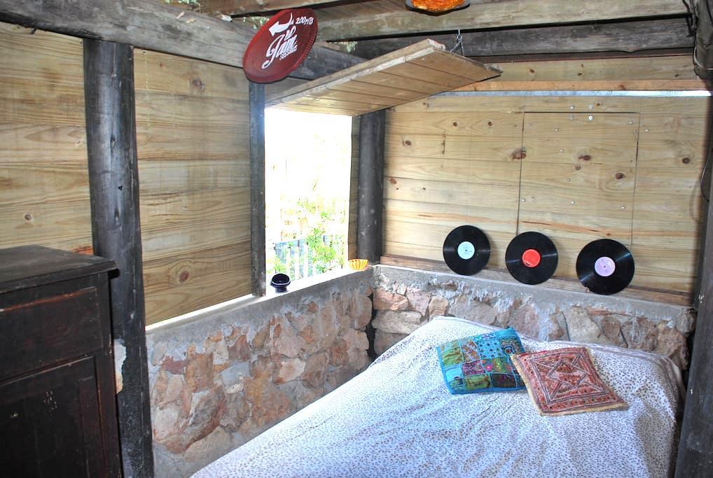 Habitación con cama doble en JAM - Punta Negra
